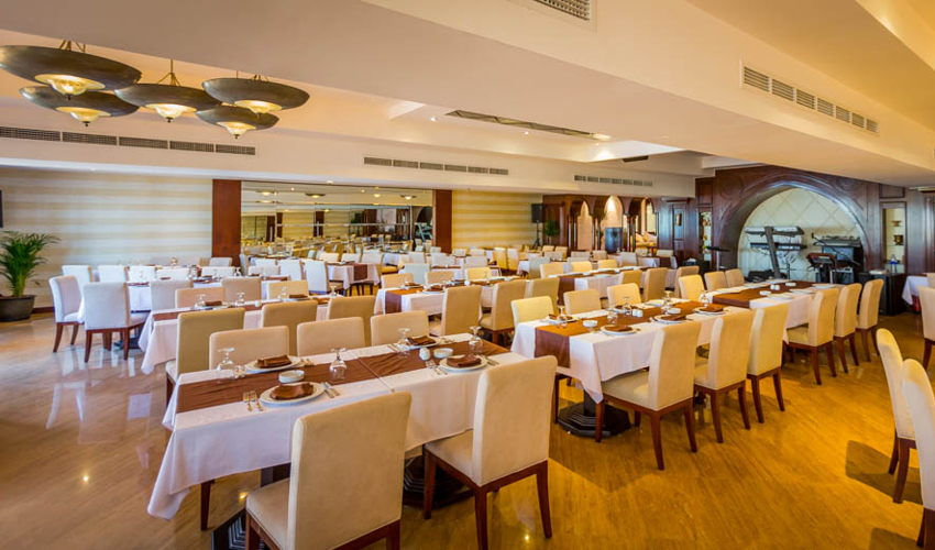 Al Qasr Restaurant Dubai Marine image