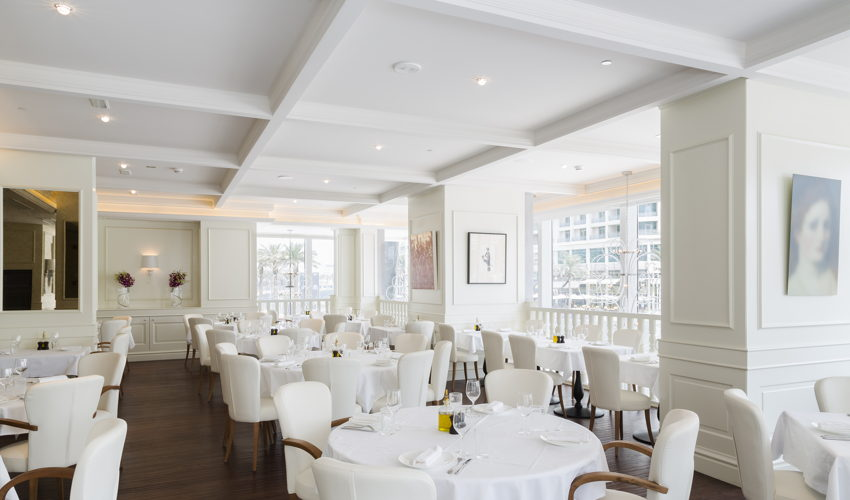 صورة La Serre Restaurant