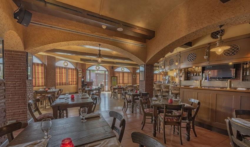 Seville's Restaurant & Bar image